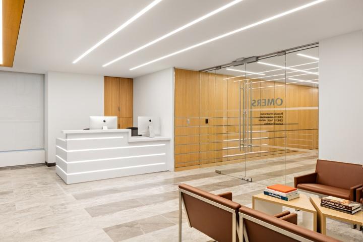 Лаконичный и стильный интерьер офиса