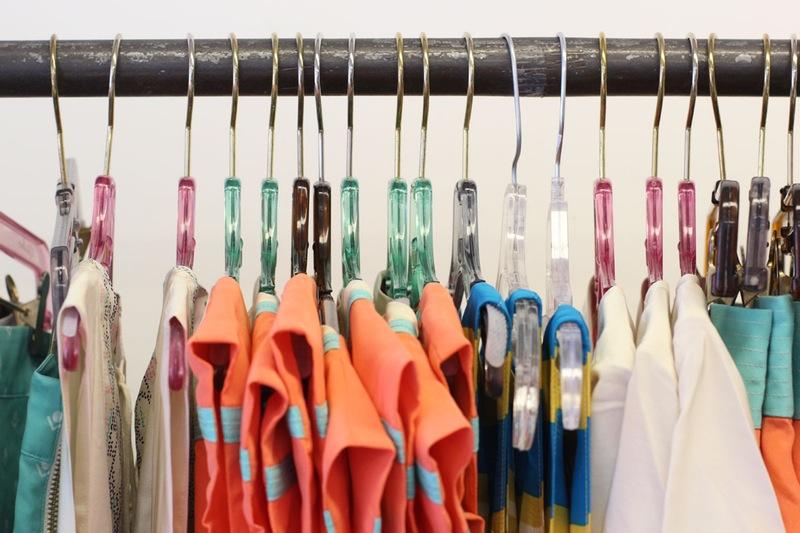 Студия дизайна одежды: сочетание различных цветовых комбинаций