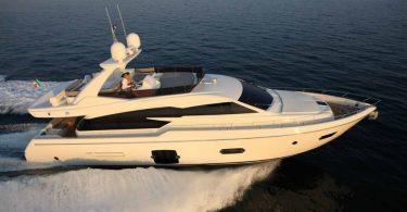 Комфортная скоростная яхта Ferretti 720
