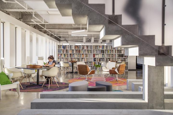 Современный светлый офис в Атланте, Джорджия, США