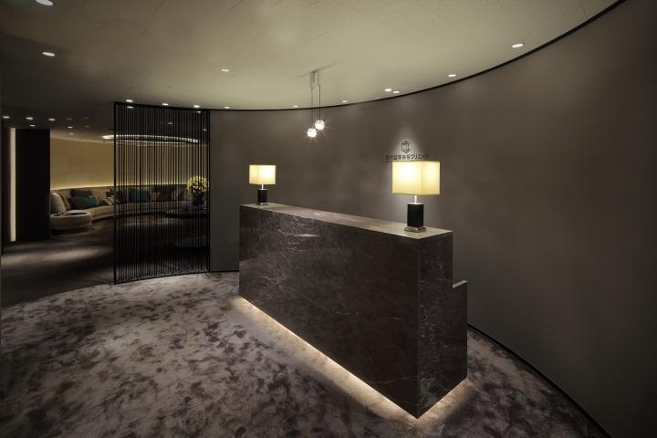Дизайн маленького салона красоты в Токио