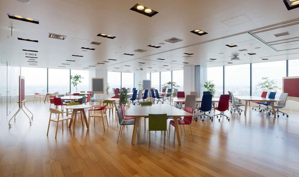 Цвета в интерьере офиса в местах общего пользования