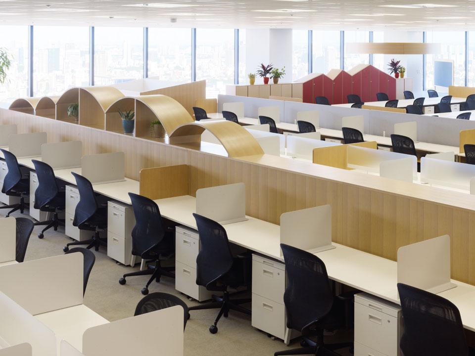 Цвета в интерьере офиса: разграничение стеллажами