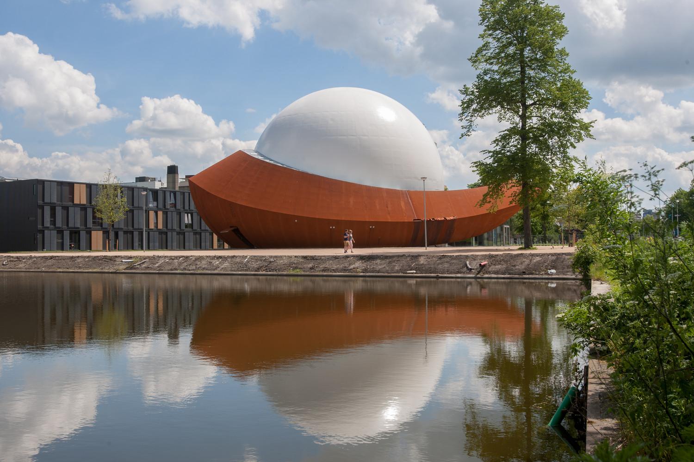 Оригинальный экстерьер здания планетария - Фото 4