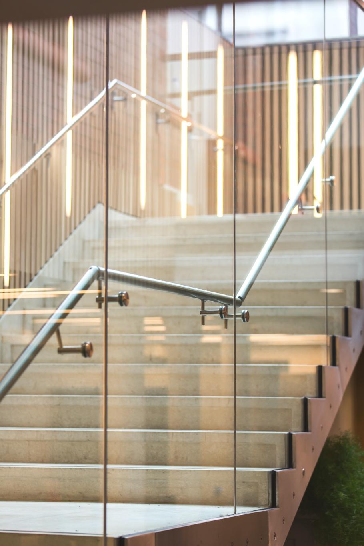 Лестница ведущая на второй этаж