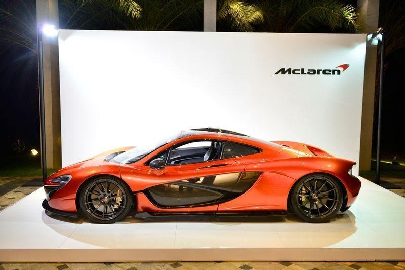 Суперкар McLaren P1 на выставке суперяхт