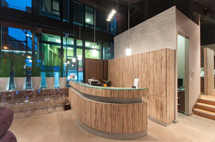 Электичный дизайн стоматологической клиники в Ванкувере