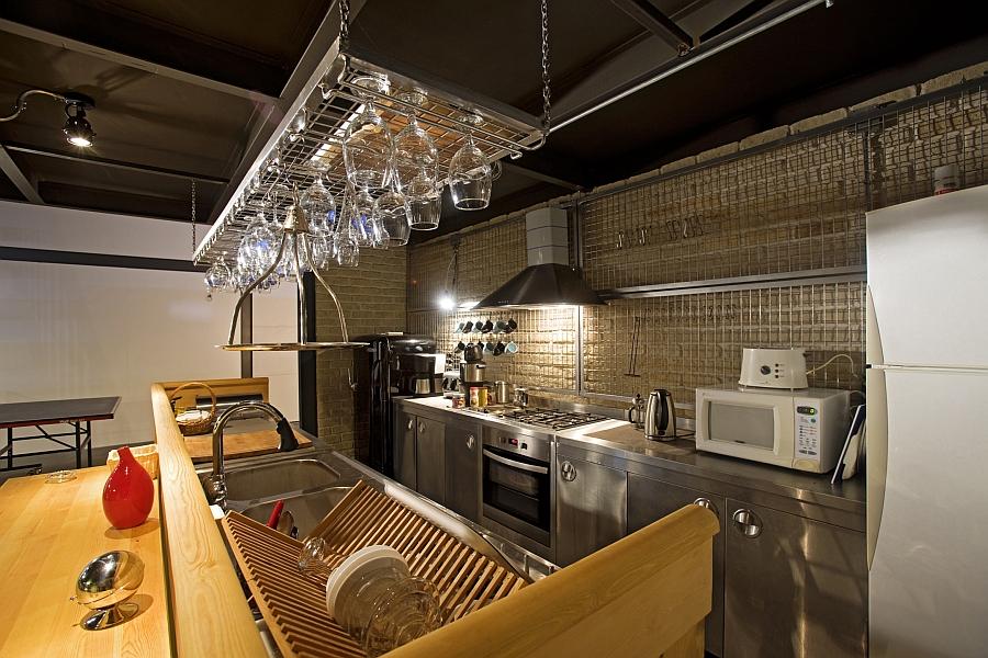 Кухнясовременного офиса продакшн студии