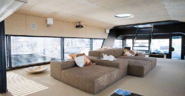 Яхта-дом на воде от компании Qrooz