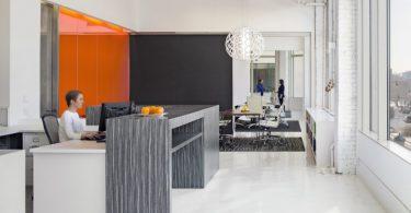 Яркий интерьер офиса в Коннектикуте