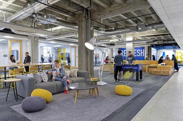 Яркий интерьер офиса Stafford House - разнообразные и удобные сидения