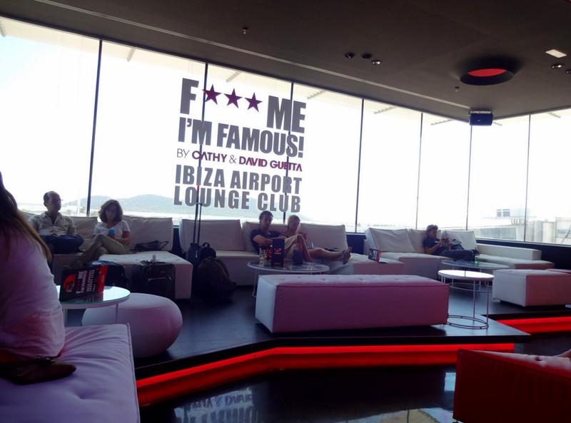 Клуб зала ожидания DJ David Guetta's в аэропорту Ибицы - фото 3