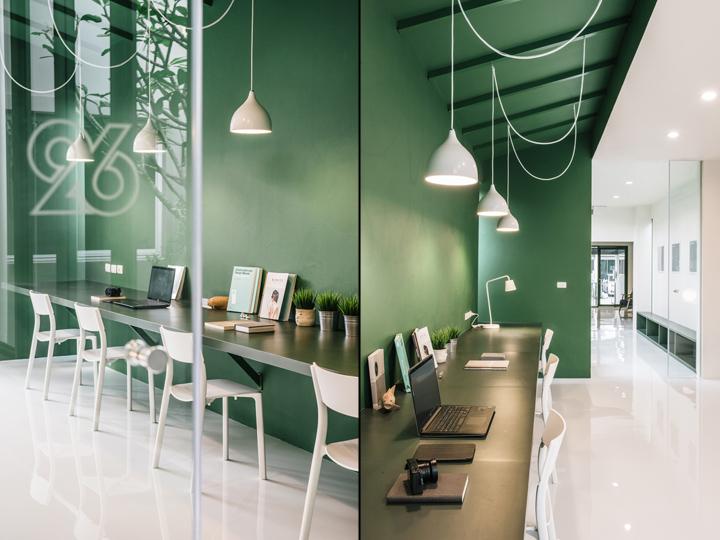 Зелёный цвет в интерьере офиса компании Green 26 - зелёный цвет в интерьере. Фото 1