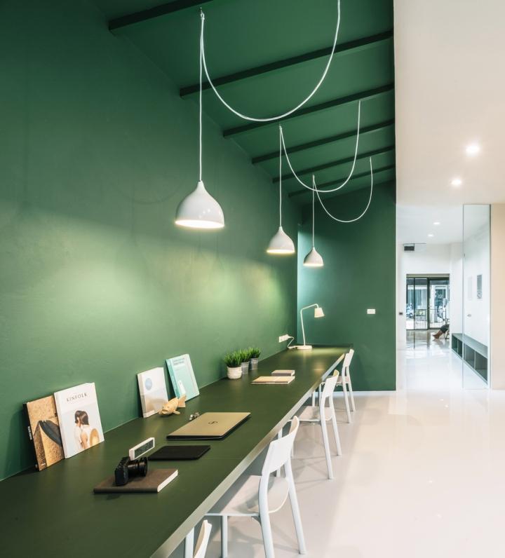 Зелёный цвет в интерьере офиса компании Green 26 - зелёный цвет в интерьере. Фото 2