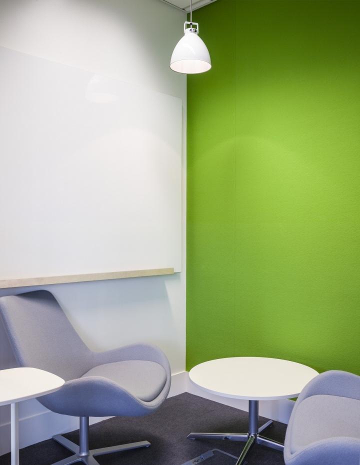 Жизнерадостная комната для переговоров